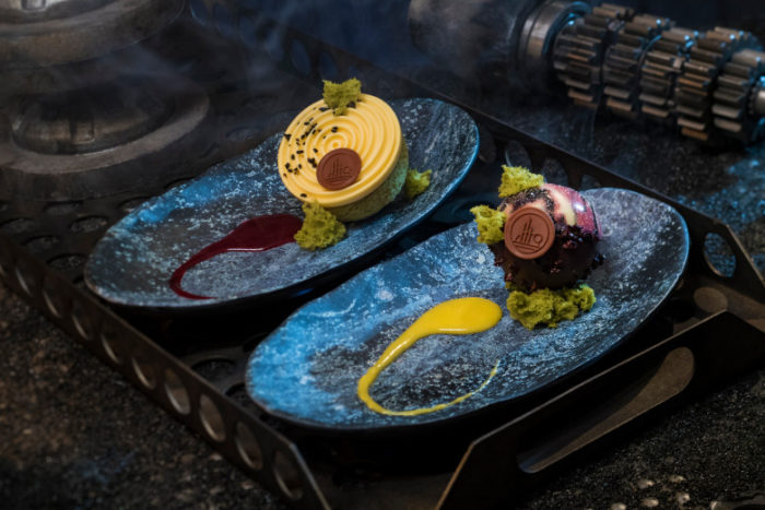 Star Wars: Galaxy's Edge – Docking Bay 7 Food and Cargo Desserts